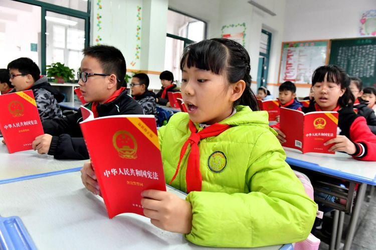 Ilustrasi siswa di sekolah