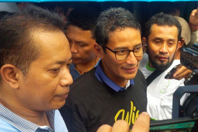 Calon wakil presiden (Cawapres) nomor urut 02 Sandiaga Uno di Soto Ayam Gading 4 Jalan Brigjen Sudiarto, Danukusuman, Serengan, Solo, Jawa Tengah, Sabtu (12/1/2019).
