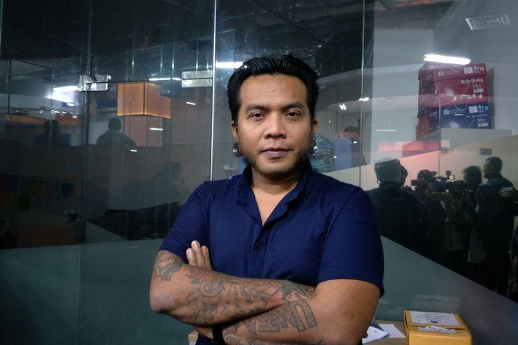 Artis musik Erix Soekamti saat ditemui di kawasan Kuningan, Jakarta Selatan, Selasa (15/1/2019).