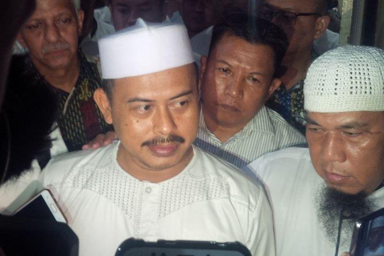 Ketua Umum Persaudaraan Alumni (PA) 212 Slamet Maarif seusai diperiksa di Mapolresta Surakarta, Jawa Tengah, Kamis (7/2/2019).