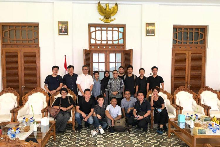 Para peserta wisata arsitektur yang diikuti oleh 15 arsitek antara lain dari Kuala lumpur, Jakarta, Bandung dan Surabaya