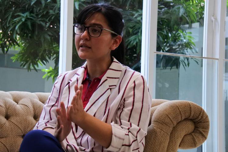 Ekspresi Sekjen PSSI, Ratu Tisha, dalam wawancara eksklusif dengan Kompas.com, Selasa (12/2/2019).