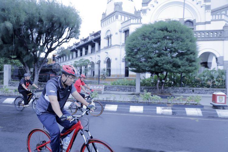 Bersepeda, Cara Hendi Ajak Jajarannya untuk Lebih Merakyat