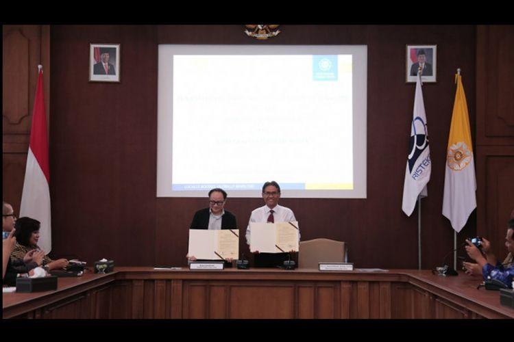 esepakatan kerja sama ditandai dengan penandatanganan nota kesepahaman bersama antara Rektor UGM, Prof. Panut Mulyono dan Direktur Martha Tilaar Group, Bryan David Emil, Rabu (20/2/2019) di Ruang Sidang Pimpinan UGM, Yogyakarta.