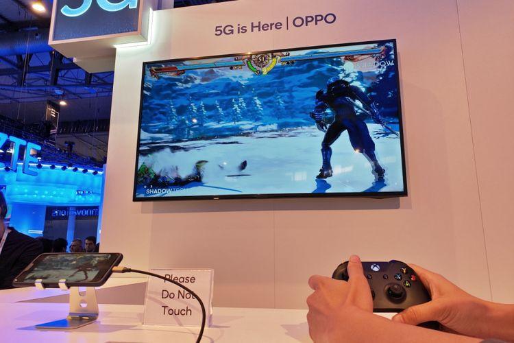 Demo ponsel 5G Oppo dengan streaming game Soul Calibur di ajang MWC 2019.