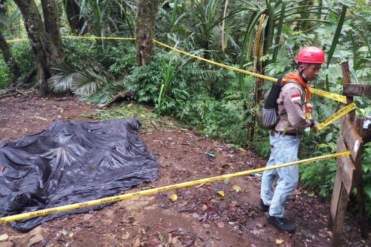 Kondisi tenda milik tiga remaja asal Indramayu yang tewas di kawasan Pos 4 Gunung Tampomas, Sumedang, Jawa Barat. DOK. Mapala Madratala STIA Sebelas April Sumedang