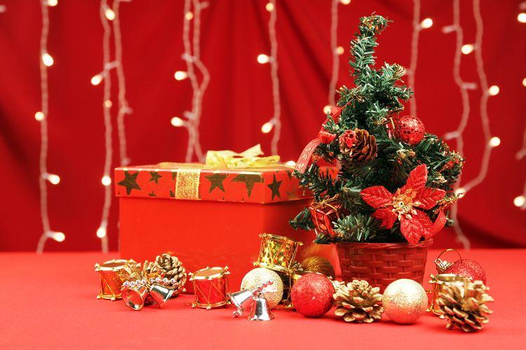 Ilustrasi pohon natal mini.