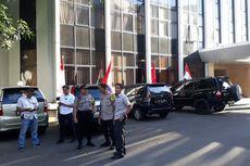 Cari Pelempar Bom Molotov, Polisi Periksa CCTV Kantor DPP Golkar