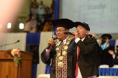 Aksi Rektor UNY, Bayar Tiket Konser dengan Nilai IPK hingga Nyanyi Hip Hop Saat Wisuda