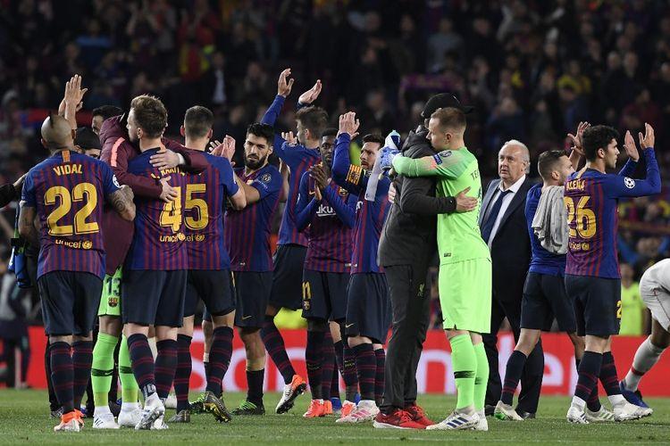 Lionel Messi dkk melakukan selebrasi kemenangan usai laga Barcelona Vs Liverpool, di Stadion Camp Nou, Rabu (1/5/2019).