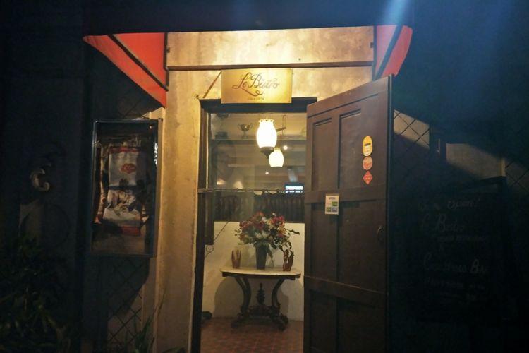 Pintu masuk Le Bistro, MH Thamrin, Jakarta Pusat.