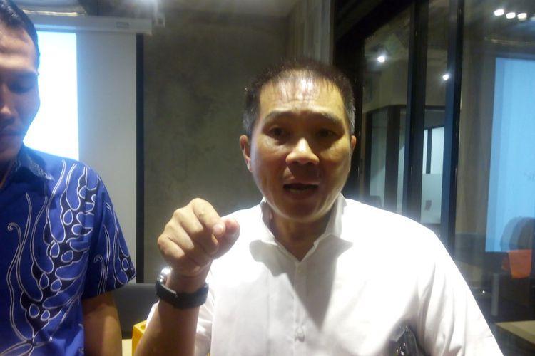 Wakil Ketua Umum Asosiasi Pengusaha Ritel Indonesia (Aprindo) Tutum Rahanta memberi keterangan kepada awak media.