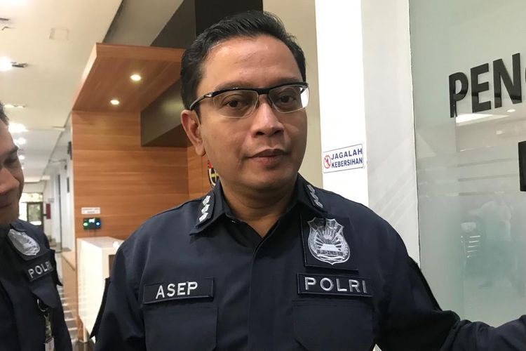 Kepala Bagian Penerangan Umum (Kabagpenum) Polri Kombes Pol Asep Adi Saputra di Gedung Humas Mabes Polri, Jakarta Selatan, Rabu (12/6/2019)