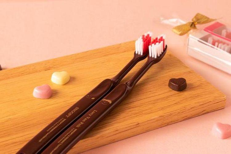 Snoopy & Friends Toothbrush Pair