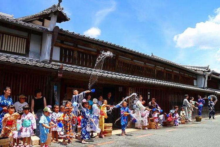 Semua orang boleh berpartisipasi di Uchimizu
