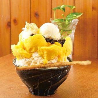 Es serut Tapioca Mango Milk dengan topping tapioka bubble yang kenyal