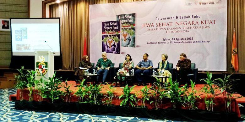 Peluncuran buku Jiwa Sehat, Negara Kuat di Unika Atma Jaya Jakarta (13/8/2019) ini menghadirkan beberapa narasumber bedah buku di antaranya; Prof. Hans Pols (University of Sidney), Nani Nurrachman (Unika Atma Jaya), Nova Riyanti Yusuf (Komisi IX DPR-RI), Bagus Utomo (KSPI) dan Prof. Byron Good (Harvard University).