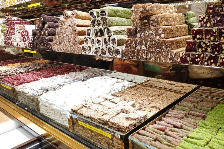 Turkish delight yang banyak dijual di Grand Bazaar Istanbul, Turki.