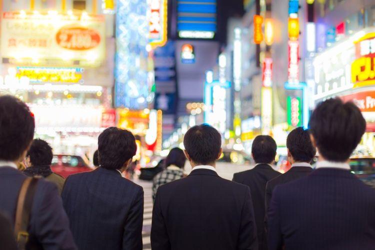 ILUSTRASI - Pekerja di Jepang