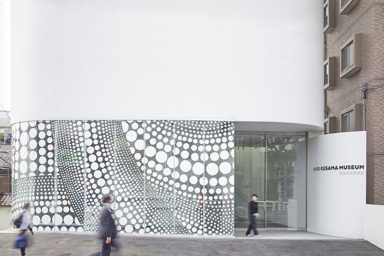 Eksterior museum lantai 1F (Photo by Shintaro Ono/Nippon Design Center, Inc.)
