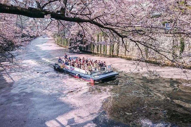 Kapal berangkat dari Shinagawa Tennouzu Yamatsu Pia