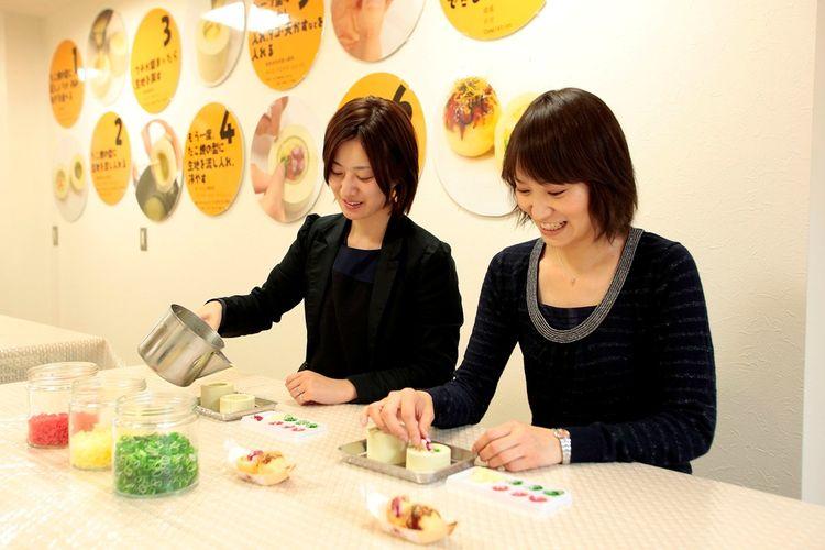 Pembuatan replika takoyaki
