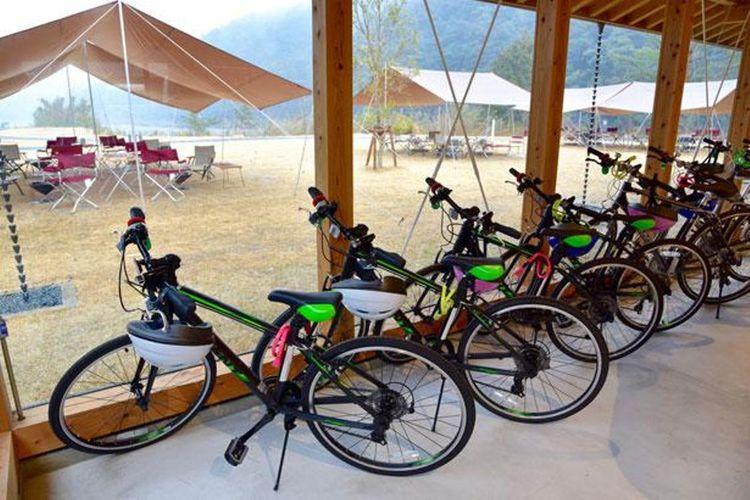 Selain rafting, ada juga penyewaan sepeda.