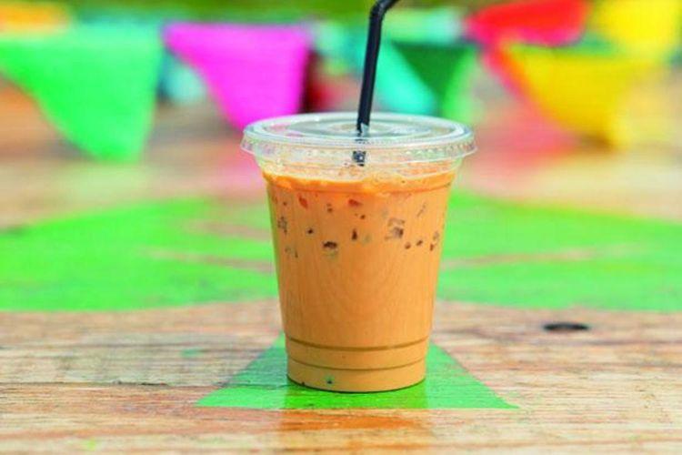 The Royal Milk Tea (648 yen) menggunakan daun teh Sri Lanka.