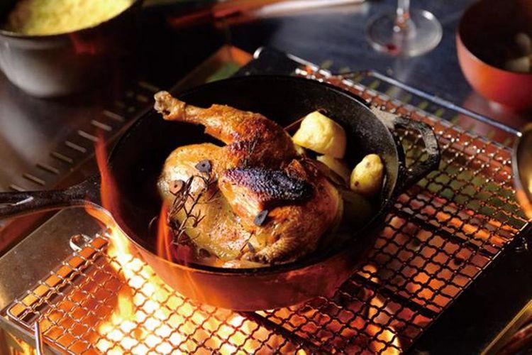 Ayam lokal organik yang dibakar.