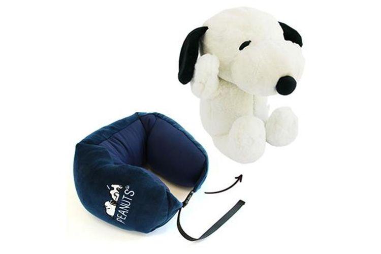 Bantal leher ini bisa berubah menjadi mainan boneka Snoopy yang lucu
