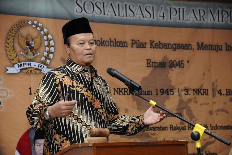 Wakil Ketua MPR Hidayat Nur Wahid (HNW) mengingatkan generasi muda untuk jangan melupakan sejarah perjalanan bangsa.