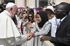 Fakta di Balik Jabat Tangan Wanita Berhijab dengan Paus Fransiskus, Sebut Muslim dari Indonesia hingga Mimpi yang Jadi Nyata