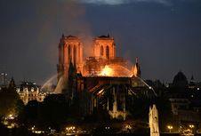 Warganet Desak Pemerintah Perancis Jauhkan Arsitek dari Notre Dame