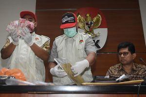 KPK Sita Uang di Laci Menag, Jokowi Bilang 'Saya Enggak Mau Komentar'