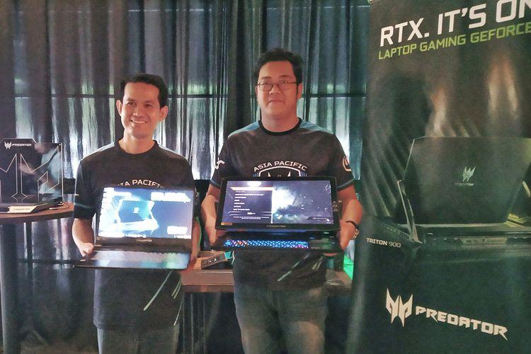 Dimas Setyo, Presales Manager Acer Indonesia (kiri) dan Andreas Lesmana, Product Manager Acer Indonesia, saat peluncuran laptop gaming Ace Predator Triton 900 dan Triton 500 di Jakarta, Kamis (14/3/2019).