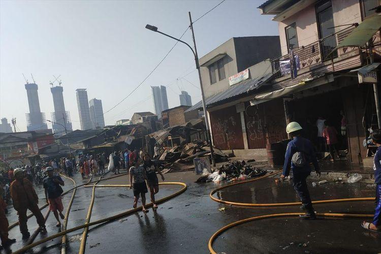 Api melalap 66 bangunan di Jalan Jati Bundar, Kelurahan Kebon Kacang, Tanah Abang pada Minggu (30/6/2019) pagi.