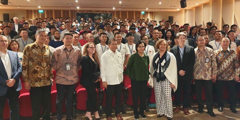 Apple menyelenggarakan kelulusan siswa angkatan pertama Apple Developer Academy @BINUS di Auditorium BSD Green Office Park (12/3/2019). Acara dihadiri Menteri Perindustria Airlangga Hartanto, Menteri Komunikasi dan Informatika Rudiantara dan Menteri Keuangan Sri Mulyani.