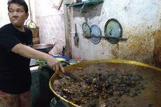 Setiap Hari, Chamlani Memasak 100 Kg Keong Makanan Khas Berbuka Puasa di Banyumas