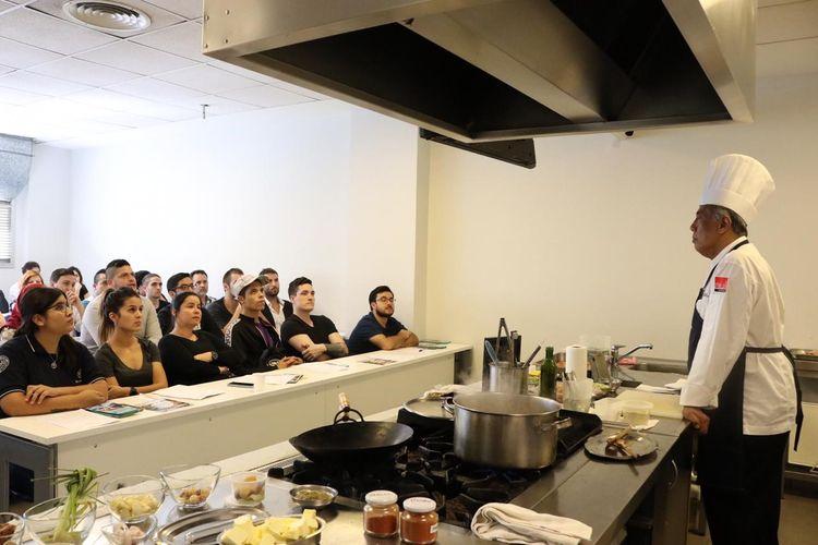 Ketika Para Chef Muda Argentina Belajar Masak Rendang Halaman