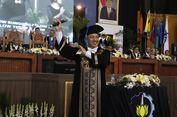 'Kece Badai', Rektor ITS Nyanyikan Lagu 'Selow' Saat Acara Wisuda