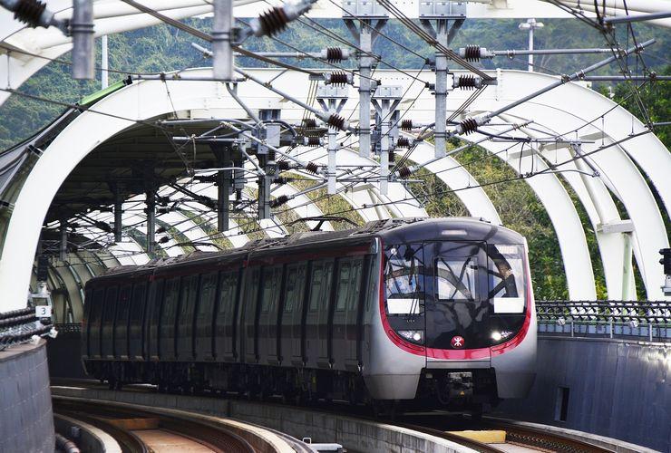 Cara Hong Kong Mendulang Untung dari Transportasi Massal
