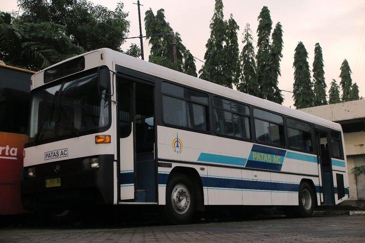 Salah satu transportasi klasik yang dipamerkan dalam pameran Indonesia Classic N Unique Bus 2019 di Hall B JIEXPO Kemayoran, Jakarta pada 20 hingga 22 Maret 2019.