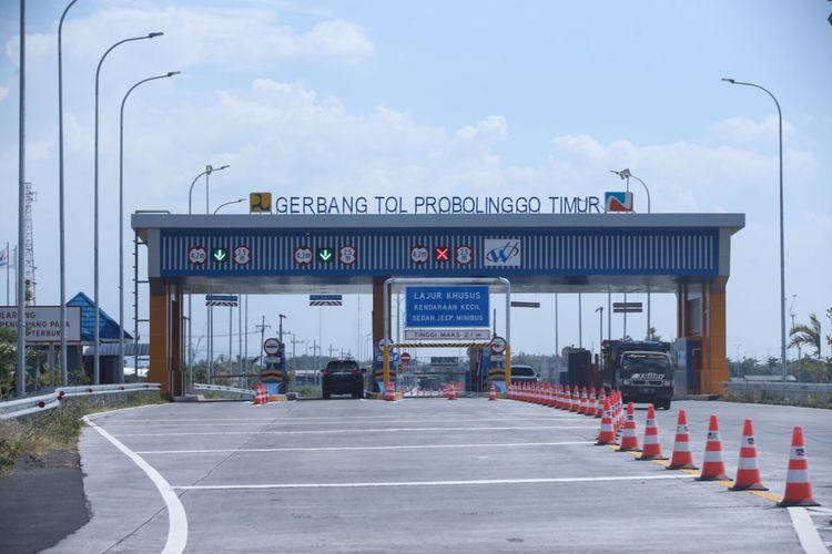 Kondisi aktual Jalan Tol Pasuruan-Probolinggo yang telah beroperasi pasca diresmikan Presiden Joko Widodo, siap dilintasi pemudik, Minggu (26/5/2019). Tampak Gerbang Tol Probolinggo Timur.