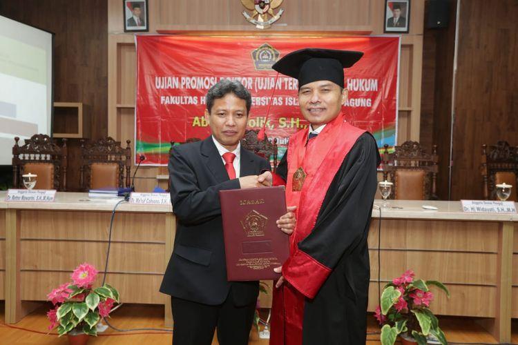 Peran dan fungsi lembaga negara MPR tersebut menjadi salah satu pokok bahasan dalam ujian promosi doktor Abdul Kholik, SH, MSi, di Fakultas Hukum Universitas Islam Sultan Agung, Semarang, Sabtu (13/7/2019).