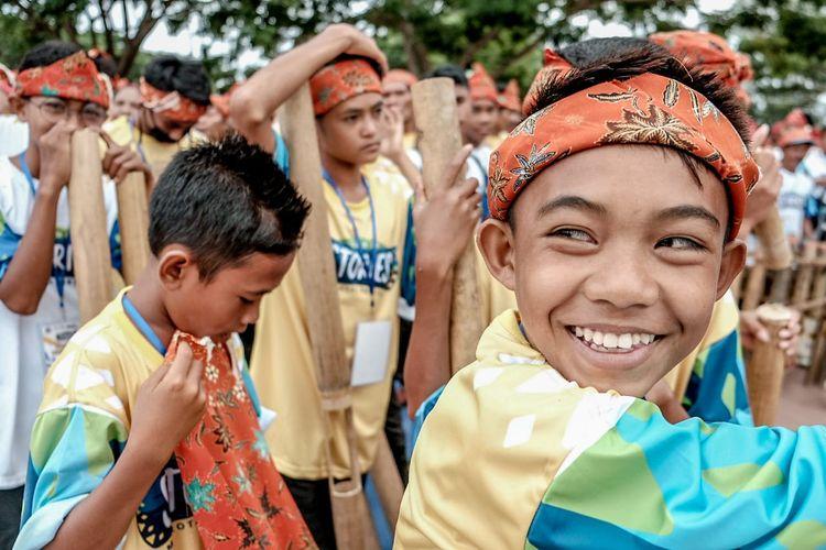 para pemain Musik Bambu Tada yang merupakan warga Morotai.
