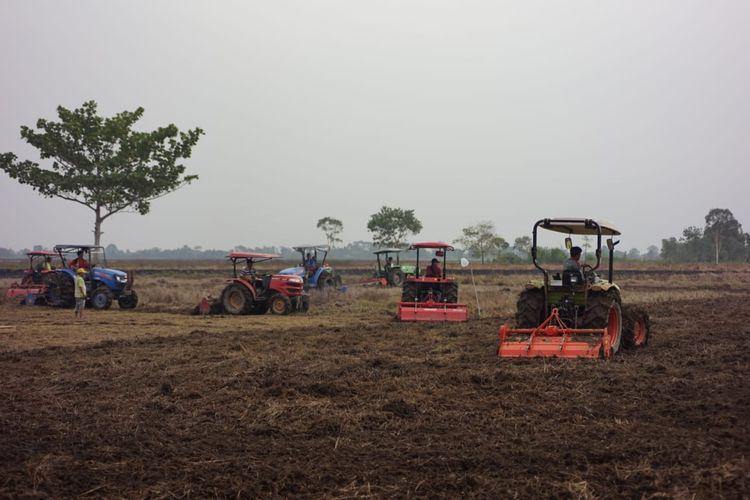 Kementan memberikan bantuan sebanyak 118 alat mesin pertanian (Alsintan) kepada Provinsi Sumatera Selatan.