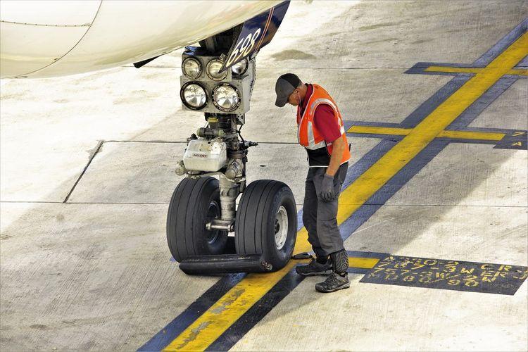 Pekerja di industri pesawat