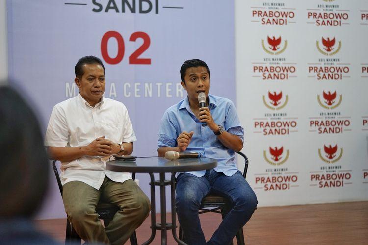 Juru bicara BPN Vasco Ruseimy saat menggelar konferensi pers di media center pasangan Prabowo-Sandiaga, Jalan Kertanegara, Jakarta Selatan, Kamis (9/5/2019).