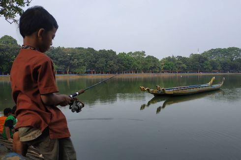 4 Aktivitas Ngabuburit di Setu Babakan, Mancing hingga Naik Perahu Angsa