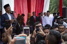 Jokowi Saksikan Pembagian Sembako di Solo
